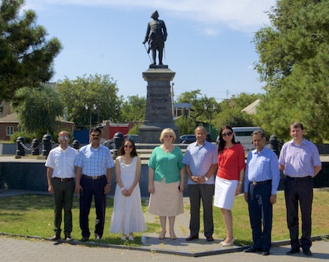 Indian delegation in front of Peter the Great monument